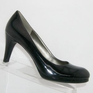 Naturalizer 'Lennox' black pump heels 9.5M